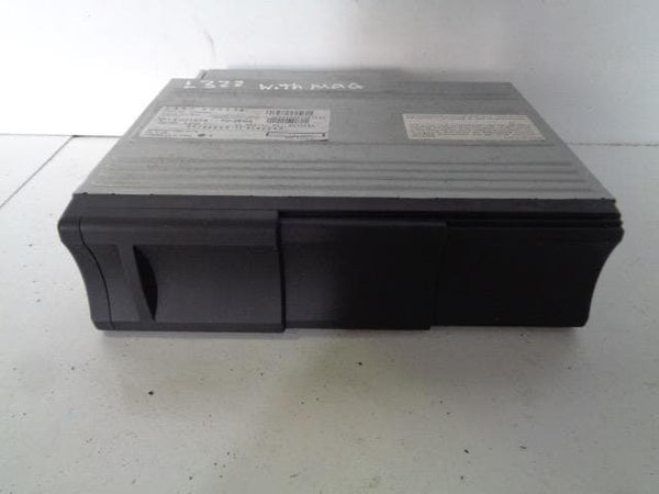 2005 - 2009 RANGE ROVER L322 LAND ROVER 6 DISC CD CHANGER & MAGAZINE XQE500201
