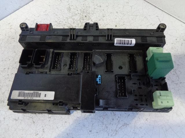 bmw x5 main fuse box with fuses e53 3 0d (2001-2006)
