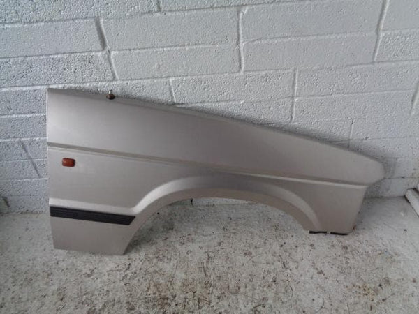 Discovery 1 Front Wing Off Side in Aspen Silver 458 1994 to 1998 B15109