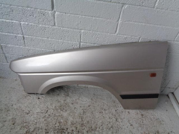 Discovery 1 Front Wing Near Side in Aspen Silver 458 1994 to 1998 B15109