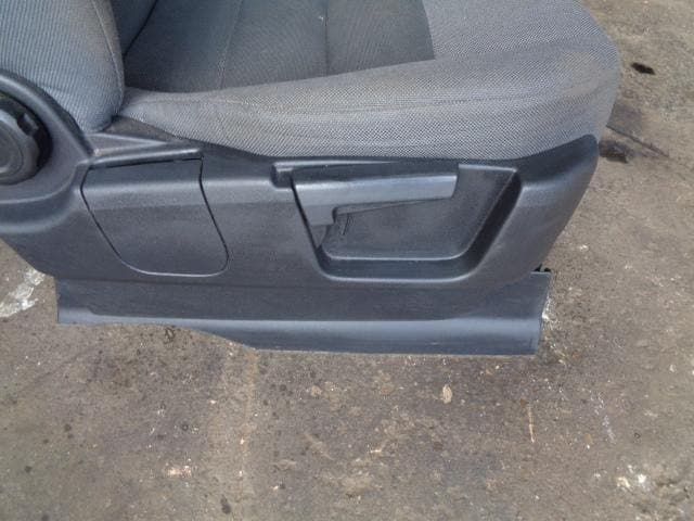 Discovery 3 Seats 7x Full Set In Grey Cloth Manual Land Rover (2004-09)  #K25049