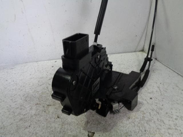 Discovery 3 Door Lock Actuator Solenoid Near Side Front Land Rover 2004-2009