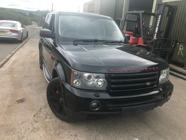 CURRENTLY BREAKING... 2006 RANGE ROVER SPORT HSE -  2.7 TDV6 DIESEL AUTO BLACK