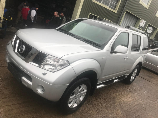 CURRENTLY BREAKING... 2005 NISSAN PATHFINDER SE DCI 174 A 2.5 DIESEL IN SILVER