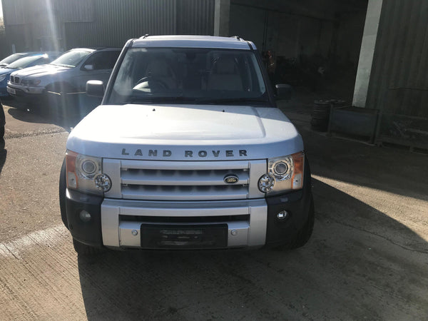 CURRENTLY BREAKING... 2004 LAND ROVER DISCOVERY 3 2.7 TDV6 HSE AUTO SILVER
