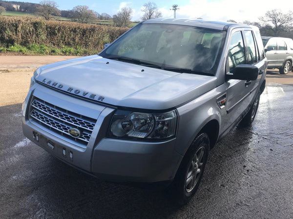 CURRENTLY BREAKING... 2007 LAND ROVER FREELANDER 2 - 2.2L TD4 MANUAL SILVER