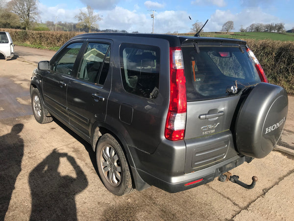 CURRENTLY BREAKING... 2005 HONDA CR-V 2.2 I-CDTI SPORT MANUAL IN SILVER