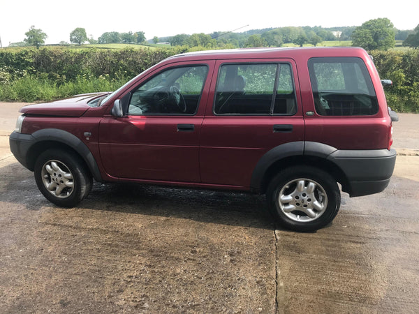 CURRENTLY BREAKING... 2003 FREELANDER 1 2.0 TD4 DIESEL MANUAL IN RED