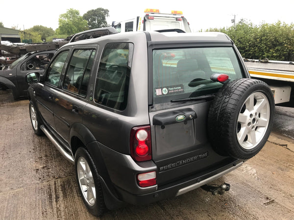 CURRENTLY BREAKING... 2004 FREELANDER 1 2.0 TD4 HSE AUTOMATIC IN GREY