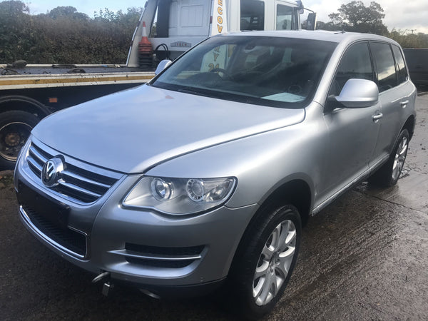 CURRENTLY BREAKING... 2007 VOLKSWAGAN TOUAREG 3.0 V6 TDi DIESEL AUTO SILVER