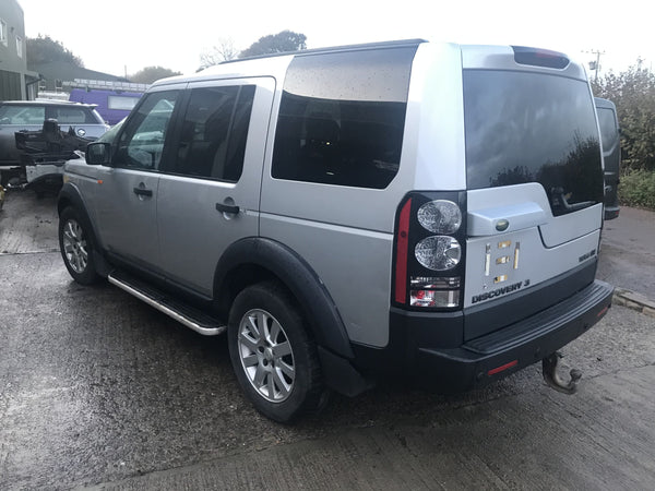 CURRENTLY BREAKING... 2004 LAND ROVER DISCOVERY 3 2.7 TDV6 SE MANUAL SILVER