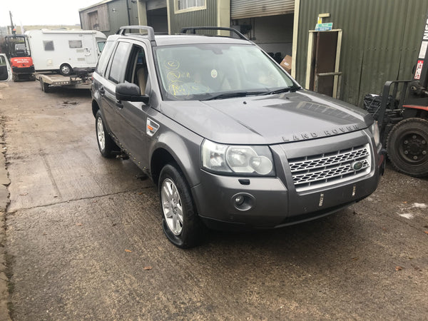 CURRENTLY BREAKING... 2007 LAND ROVER FREELANDER 2 - 2.2 TD4 SE MANUAL GREY