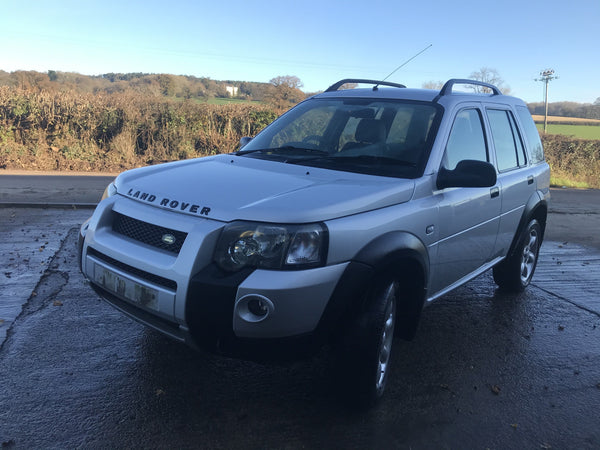 CURRENTLY BREAKING... 2005 FREELANDER 1 2.0 TD4 FREESTYLE MANUAL SILVER