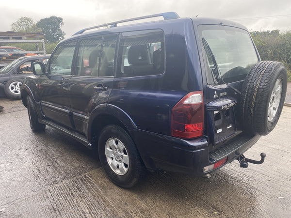 CURRENTLY BREAKING... 2004 MITSUBISHI SHOGUN LWB 3.2 DI-D AUTO