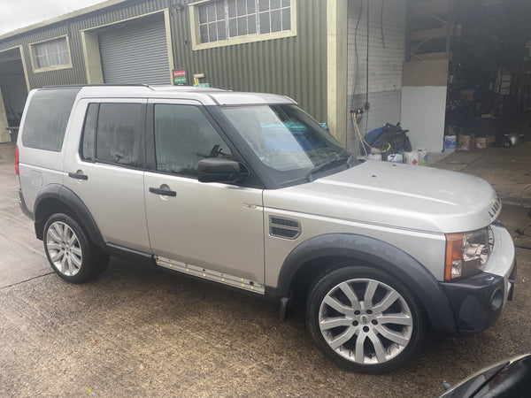 CURRENTLY BREAKING... 2004 LAND ROVER DISCOVERY 3 2.7 TDV6 HSE MANUAL SILVER