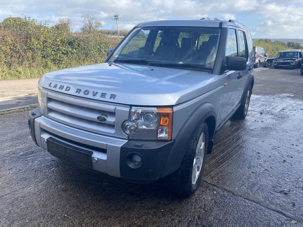 CURRENTLY BREAKING... 2006 LAND ROVER DISCOVERY 3 2.7 TDV6 HSE AUTO SILVER