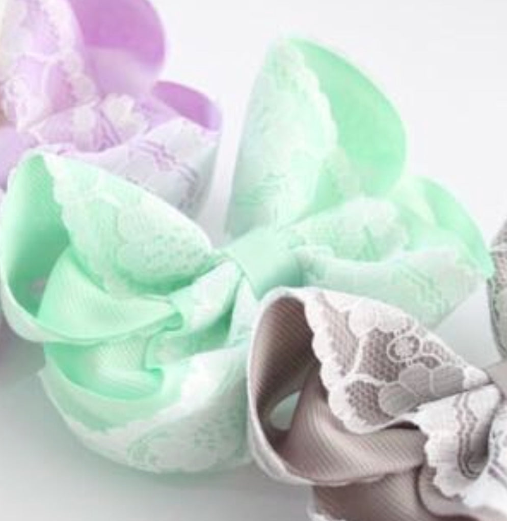 Mint Vintage Lace Bow