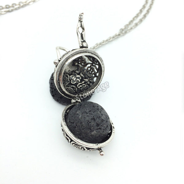 Beautiful necklaces for Pregnant Women