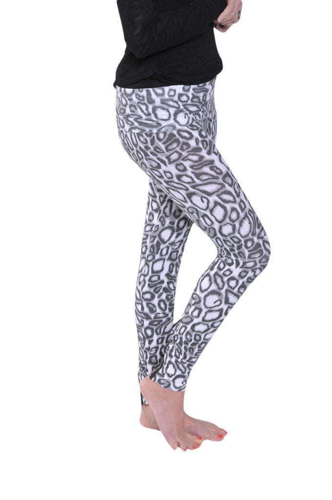 Hard Tail Back Zip Roll Down Leggings (Black/white Print)