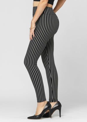 Load image into Gallery viewer, Chloe Out of Line Ultra Soft High Waist Leggings