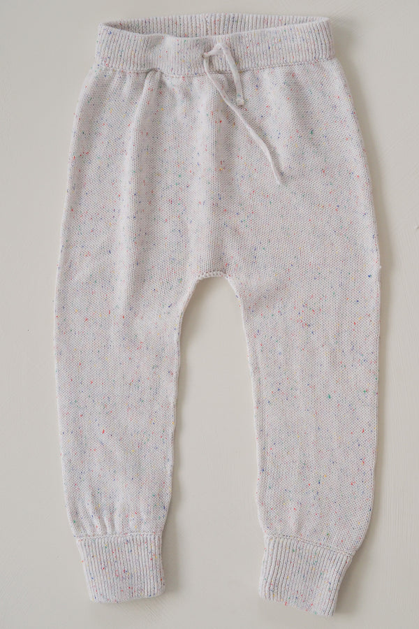 The sprinkle knit pant