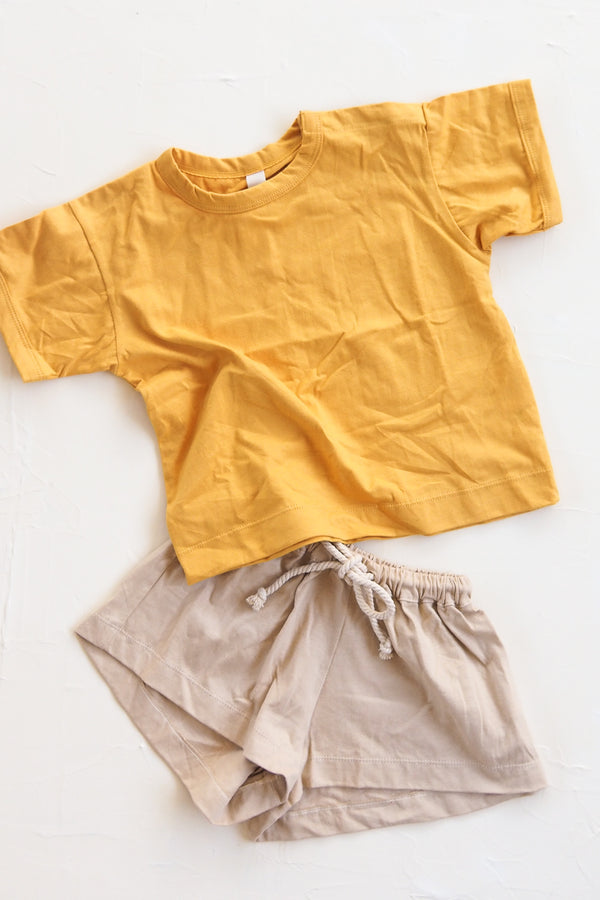 The Basic Tee - Golden