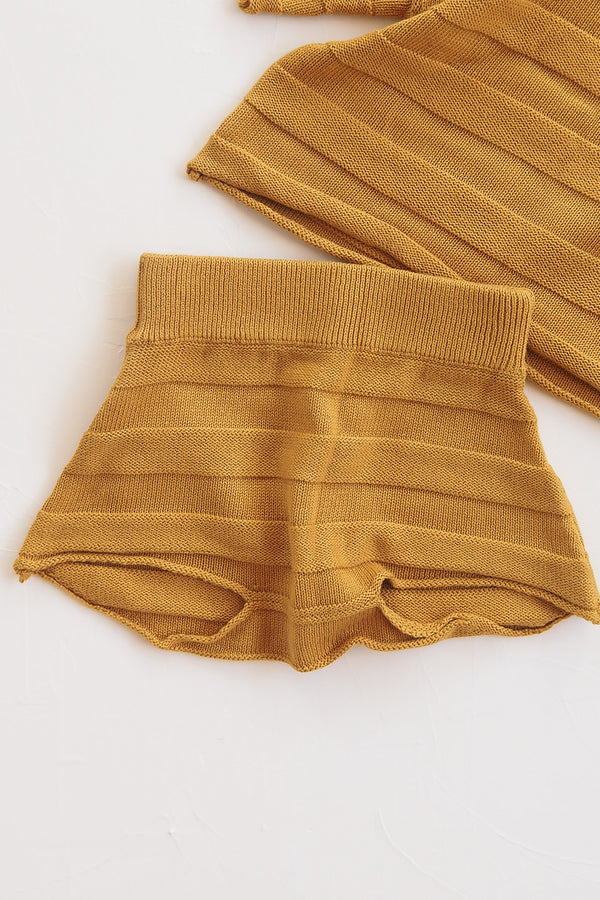 The Weekend Knit Short - Golden