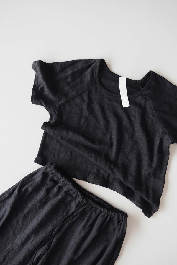 Spring Linen Bed T.Shirt - black