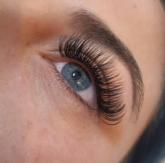 Lash extensions at Embrace