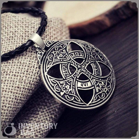 Image of Celtic Love Circle Pendant Necklace - Viking Necklace Jewelry Necklace Vikings