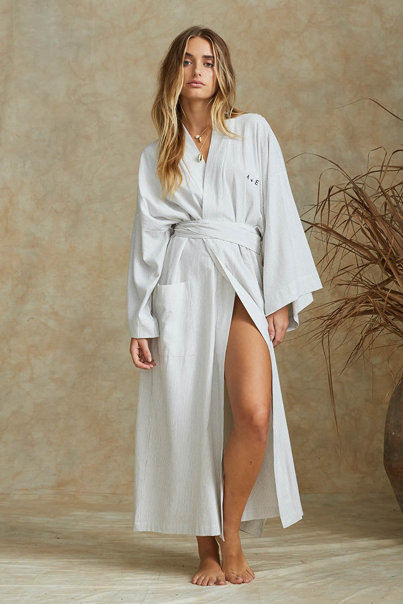THE SUMMER ROBE