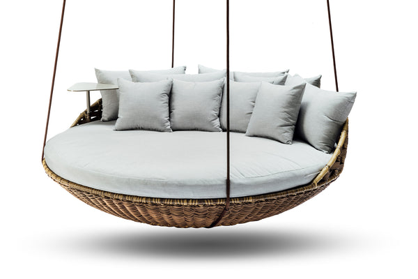 Hanging daybed ansan outdoor furniture for Round hanging porch bed