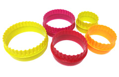 Delish Treats 5pc Scalloped Round Cookie Cutter - Shopaholic for Kids