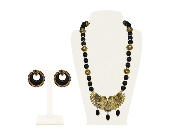 A half set in black fabric balls and big gold balls IP/GJ/S-015