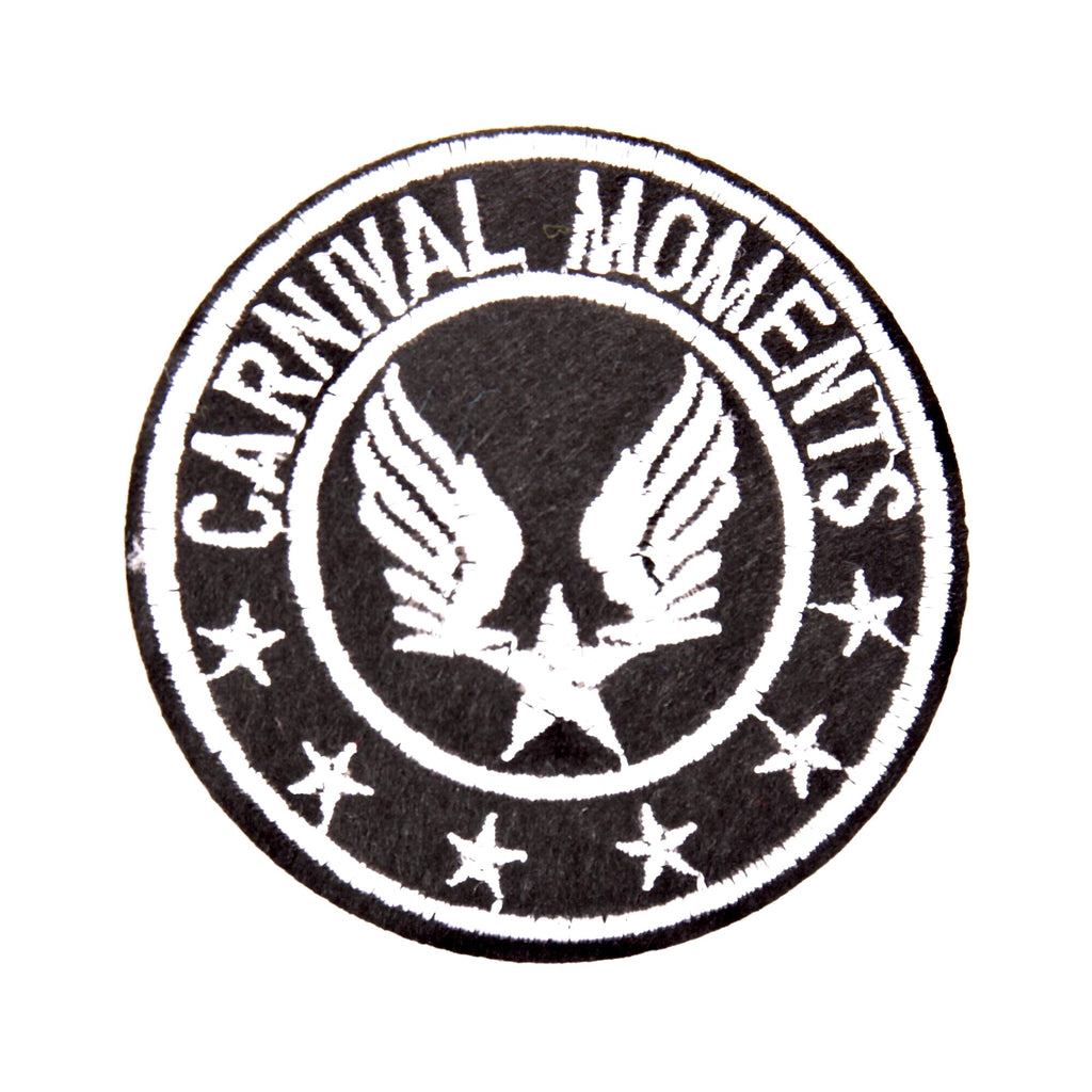 Zwarte Witte Wings Met Carnival Moments Tekst Patch