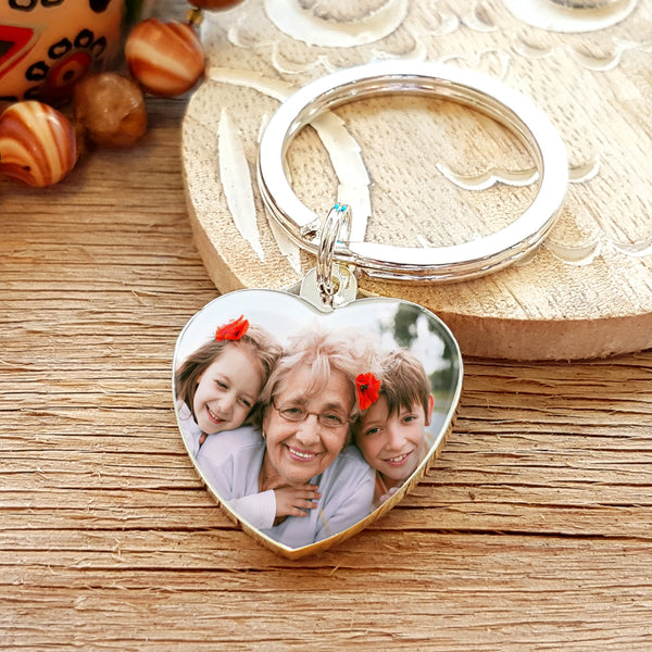 Mother's Day Gift for Grandma Photo Upload Heart Shaped Keyring with Engraved Reverse