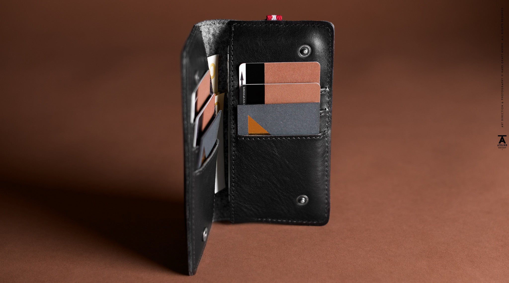 Mighty iPhone SE Fold Wallet . Coal