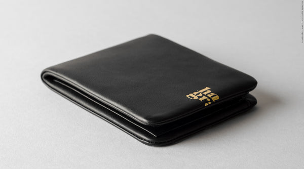 Zip Bifold . Black Oil