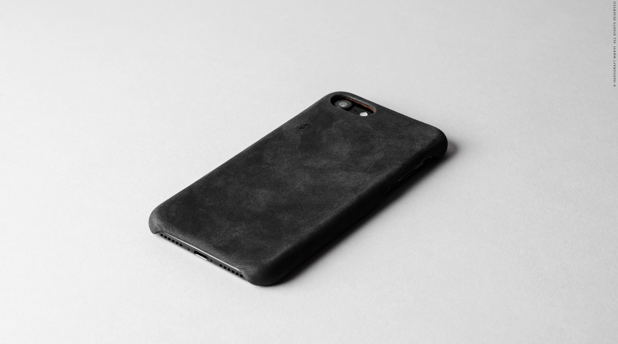 Dusty iPhone 7 Cover . Black
