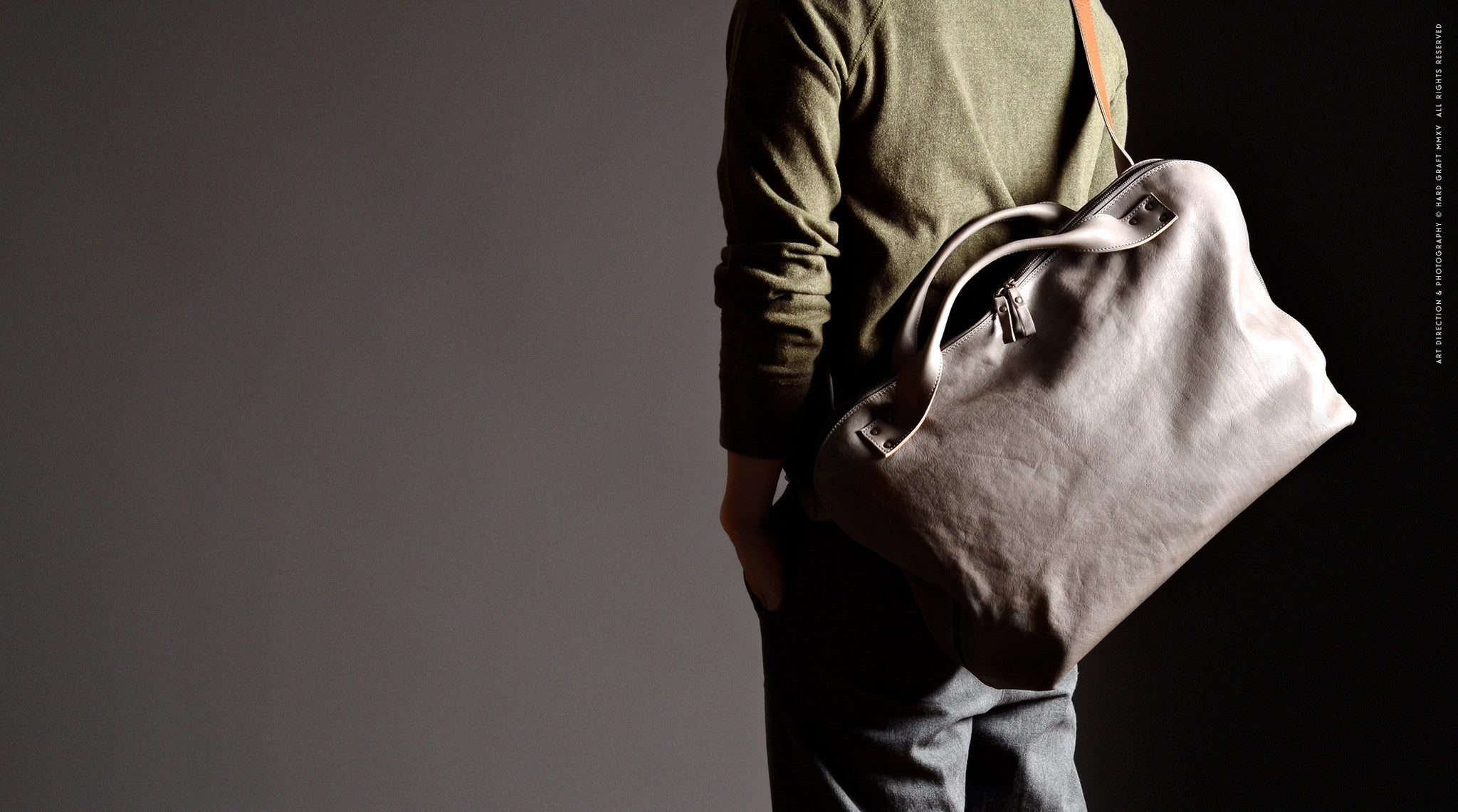 Offhand Shoulder Bag . Off Grey