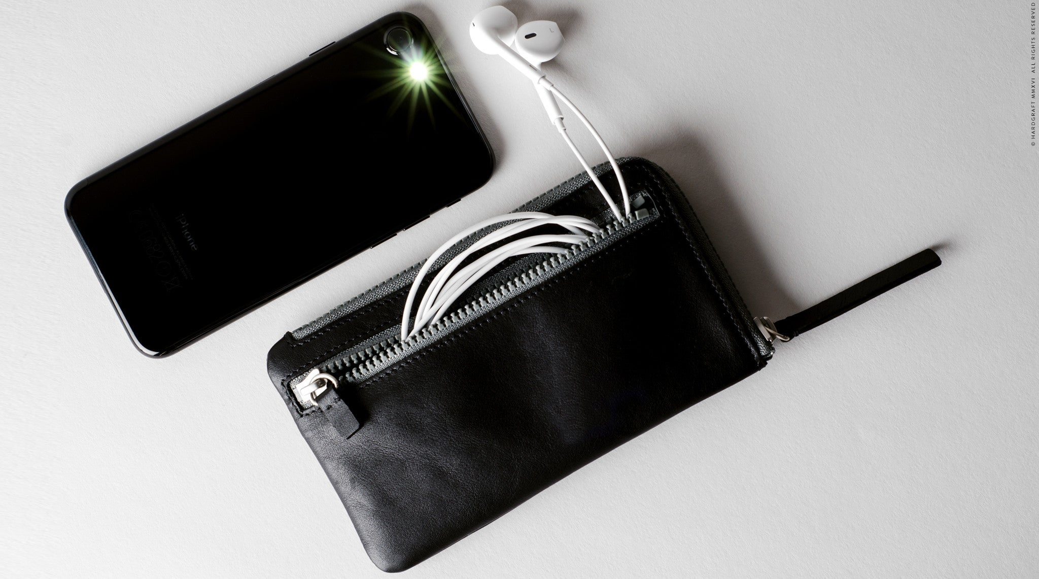 iPhone Zip Wallet . Black Stone