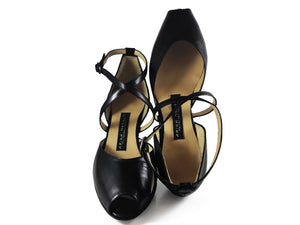 Confidencias. Arika Nerguiz Tango Dance Shoes. Broadway Theatrical Shoes.