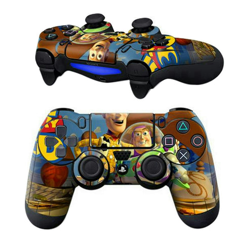 ModFreakz™ Pair of Vinyl Controller Skins - Animated Astronaut for PS4