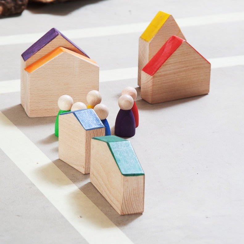Grapat - Wooden Houses and Nins Peg People