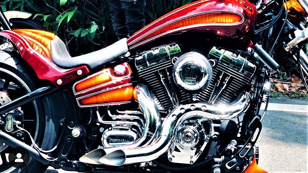 Blow Exhaust Pipe Image