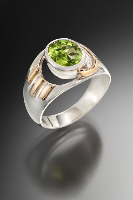 Crescent Ring - Peridot, silver and gold