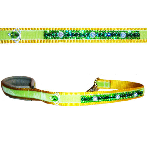 Spring Pearls crystal dog collar and leash set close up of leash