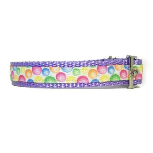 Bubblegum pet collar side view.