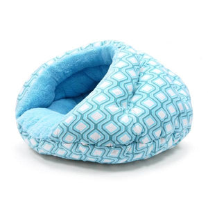 Burger pet bed in blue diamond pattern side view