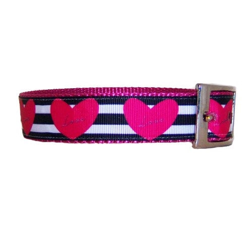 Stripes and hearts collar side view.